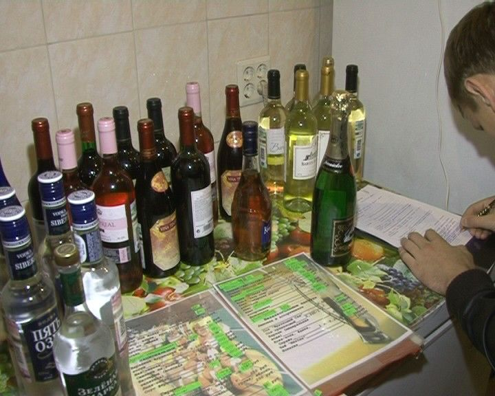 Какое наказиние за торговлю алкоголем без лицензии в ресторане будь его